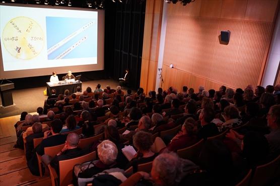パリ日本文化会館で講演しました